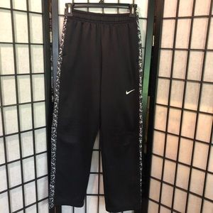 Youth Size XL Nike Therma-Fit jogging pants